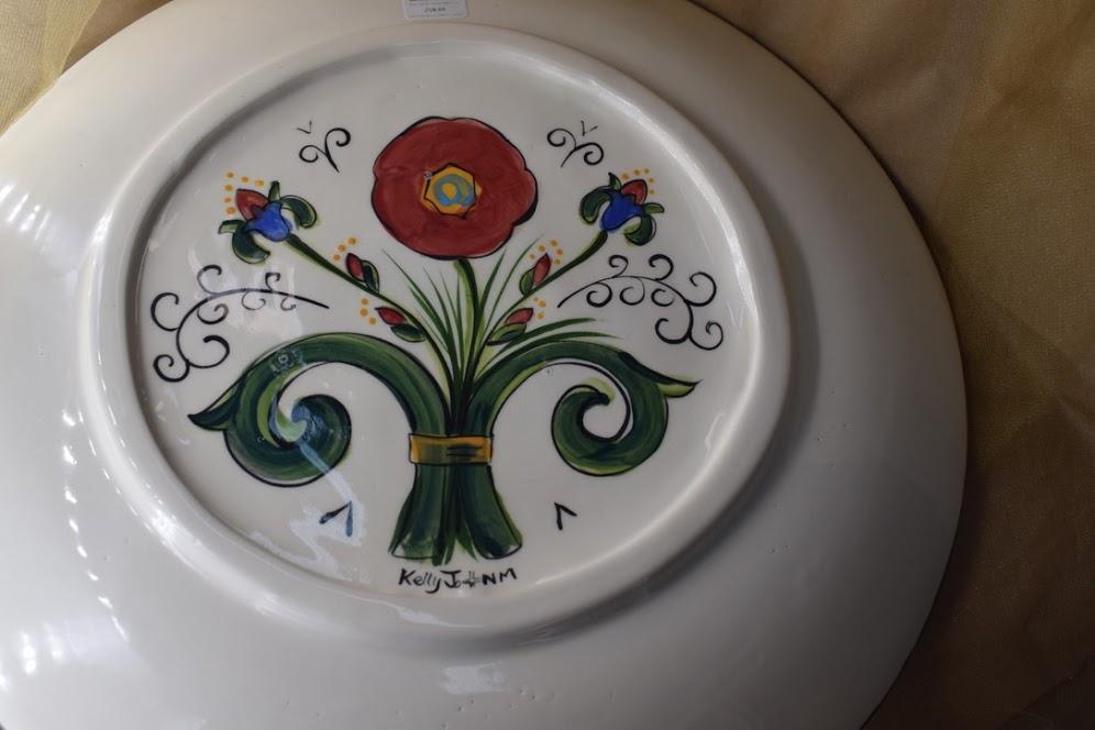 "(LP12-VR) 16"" Round Platter- Venetian Red"