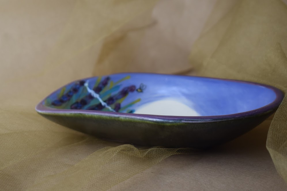 "(SD07-LM) 7"" Soap Dish- Lavender Moon"