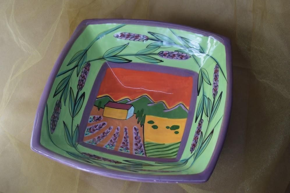 "(SB33-GLS) 9"" Pyramid Bowl- Green Lavender Scene"