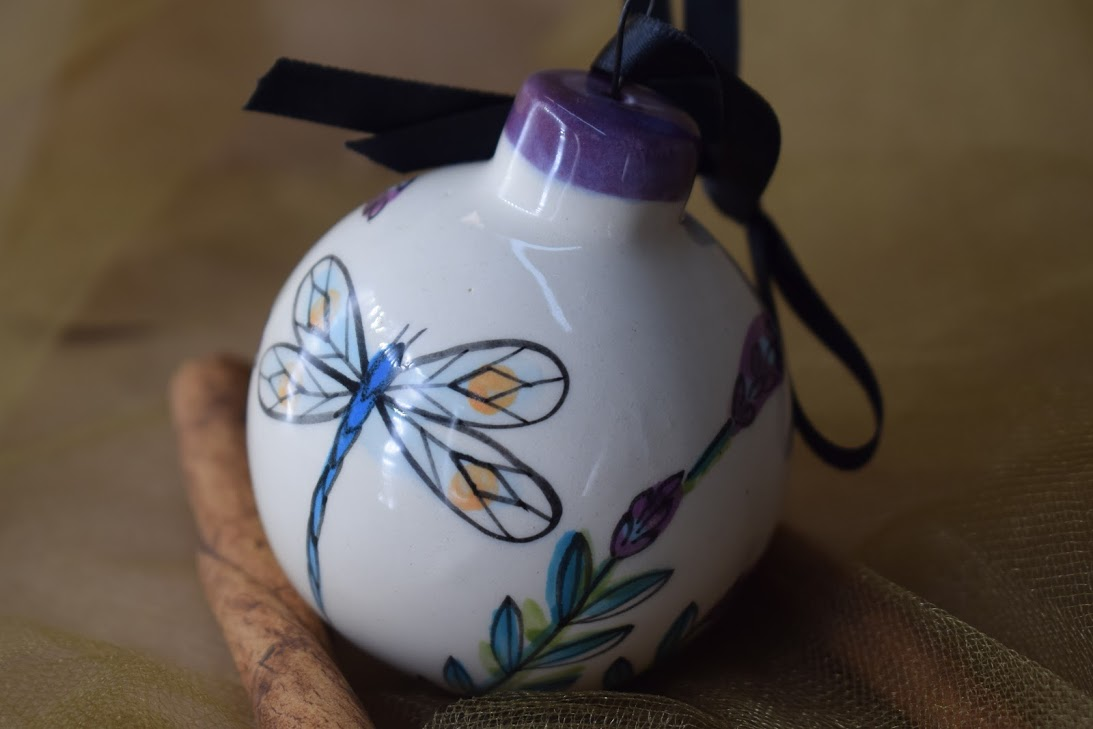 (Ornament-WLD) Ornament- White Lavender with Dragonfly
