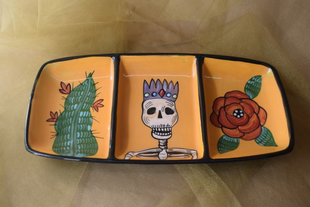 (DRP10-CALAVERAQ) Divided Rectangular Plate- Calavera Queen