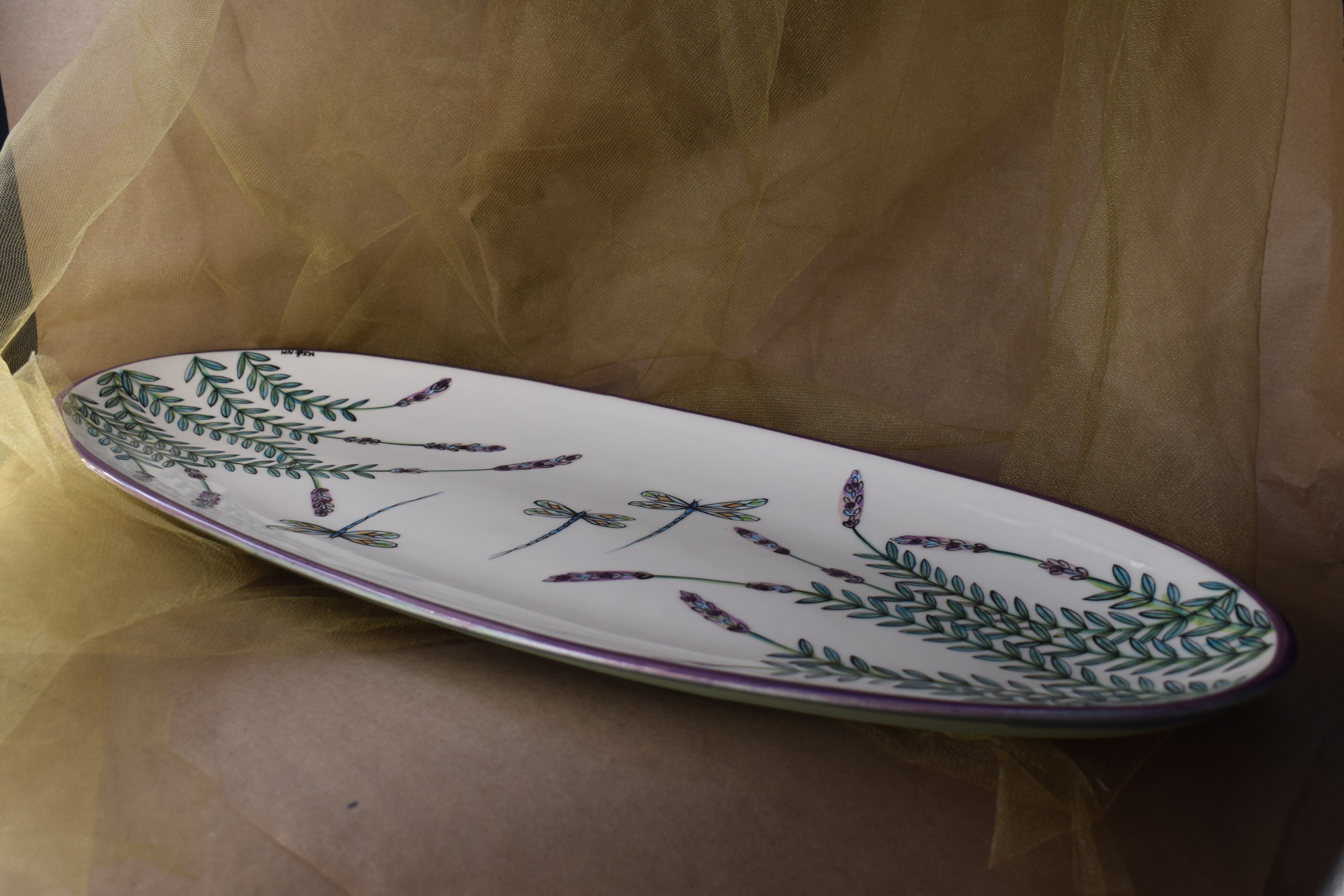 "(OP21-WLD) 21"" Oval Platter- White Lavender with Dragonfly"