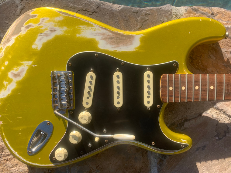 Real Life Relics Custom Shop Loaded Stratocaster Strat Body Lime Gold Nitro Lacquer Fender Pickups