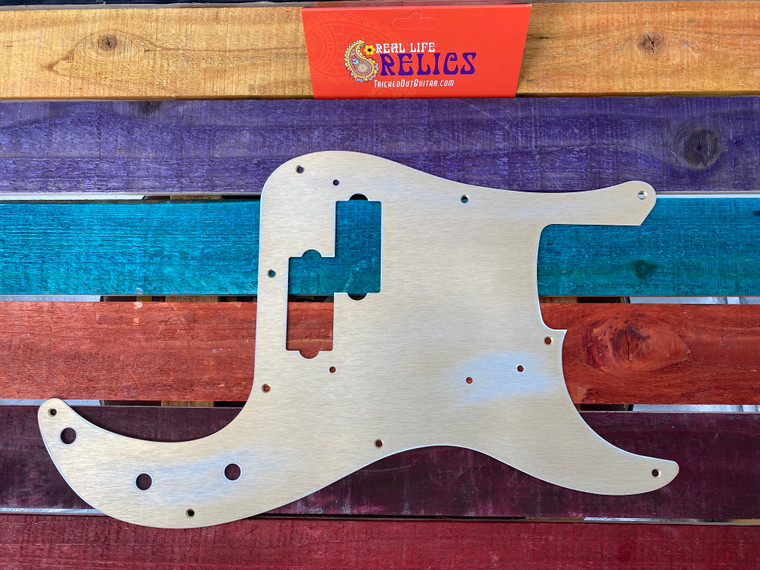 Real Life Relics Fender® Aged Gold Anodized 57 Precision P Bass® Pickguard 0992020000