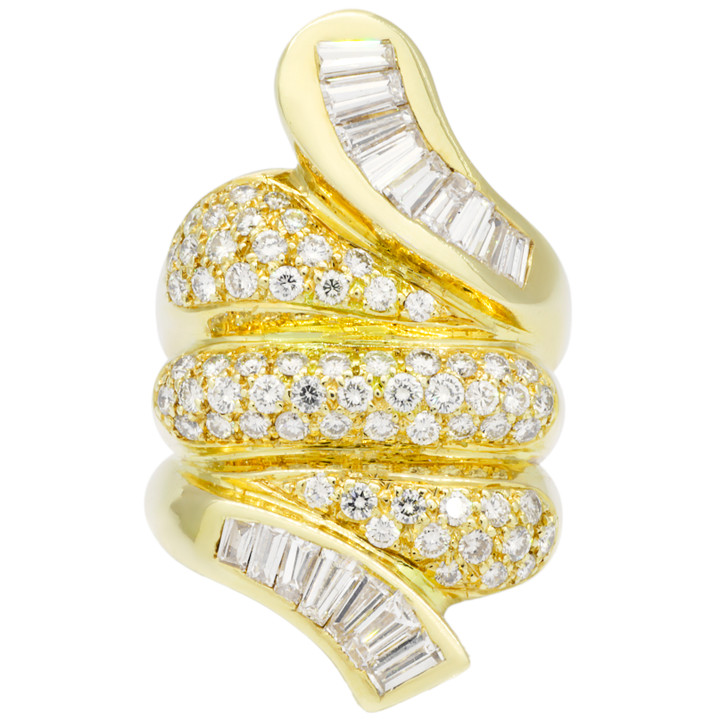 18K Yellow Gold 2.32 Carat Diamond Ring