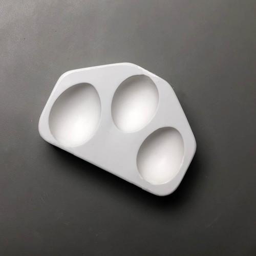 LF199 3 Hen Eggs Glass Mold
