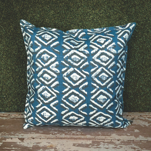 "BLUE SAPO TOSS PILLOW 22"" SQUARE"