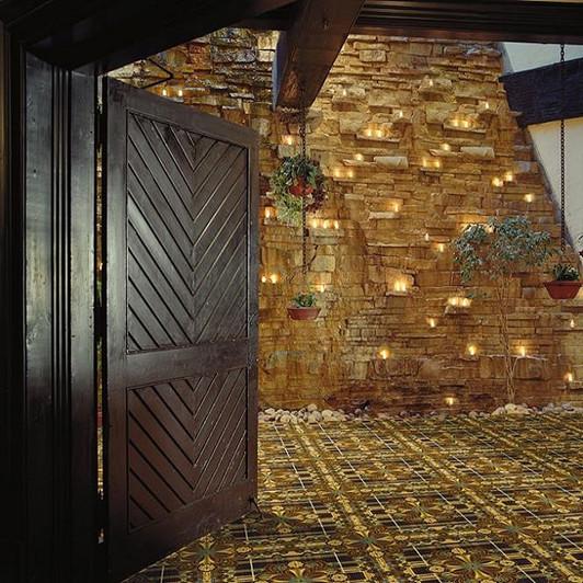 Shaw Philadelphia Social Spaces Castle Inn 54513 Commercial Carpet Room Scene