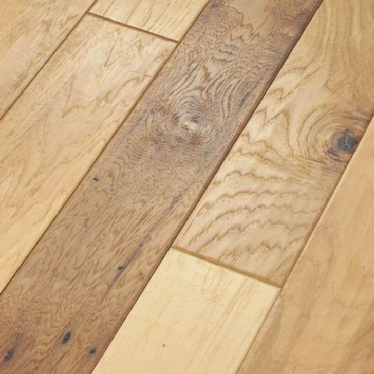 Anderson Tuftex Vintage Hickory Mixed Width AE206 Engineered Hardwood Plank