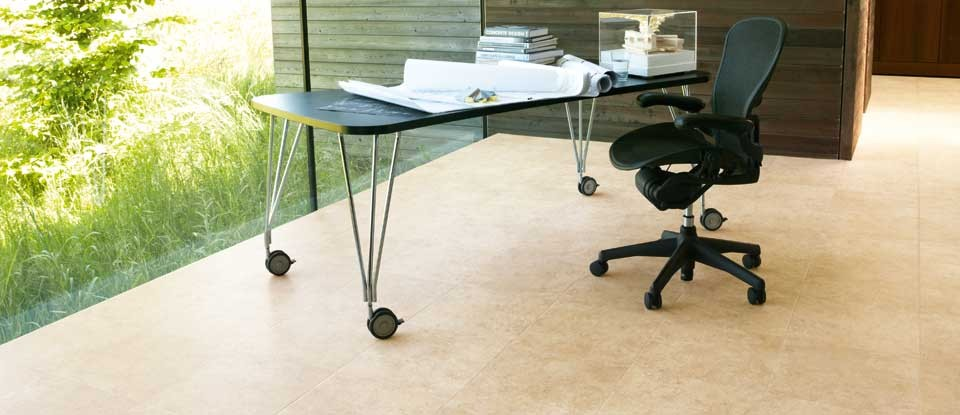 da-vinci-stone-lst02-sienna-limestone-karndean-vinyl-tile-flooring-min.jpg
