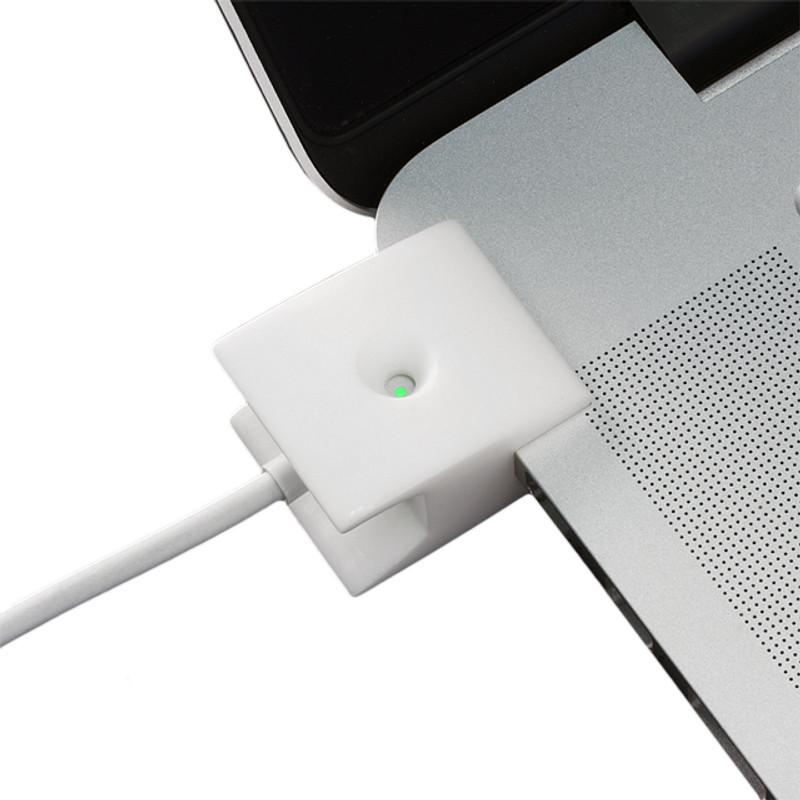 MagStay MS-01 Open Screen MacBook PRO with Retina Display