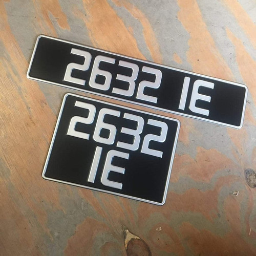 80mm Vintage Pressed Plates (Pair)