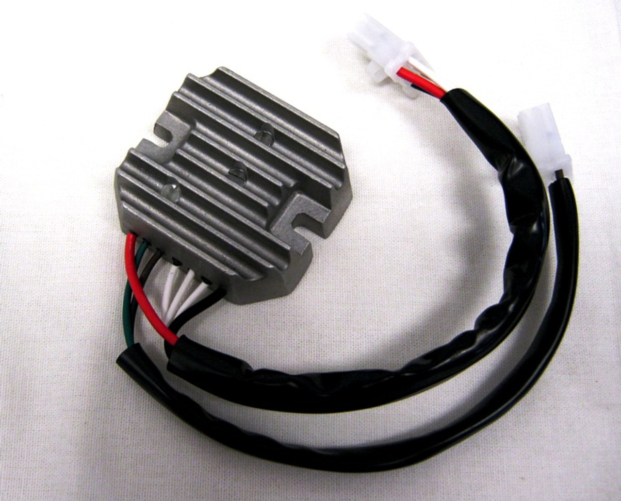 Yamaha RD 400 Voltage Regulator / Rectifier 10-401