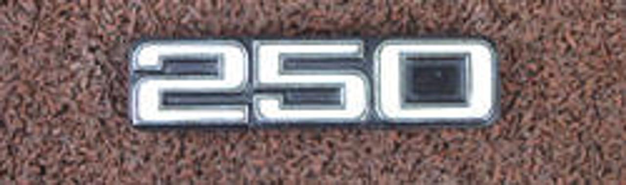 Yamaha RD250 Side cover Badge YS11