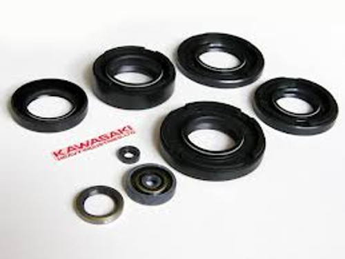 Kawasaki  KH750 H2 Complete Engine Oil Seal Kit.  504-061