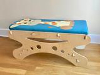 Giraffe Pediatric Table