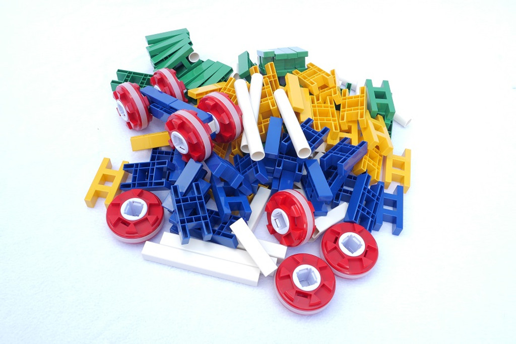 Lasy Construction Over 100 Pieces STEM