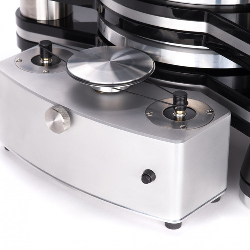 VPI Titan turntable