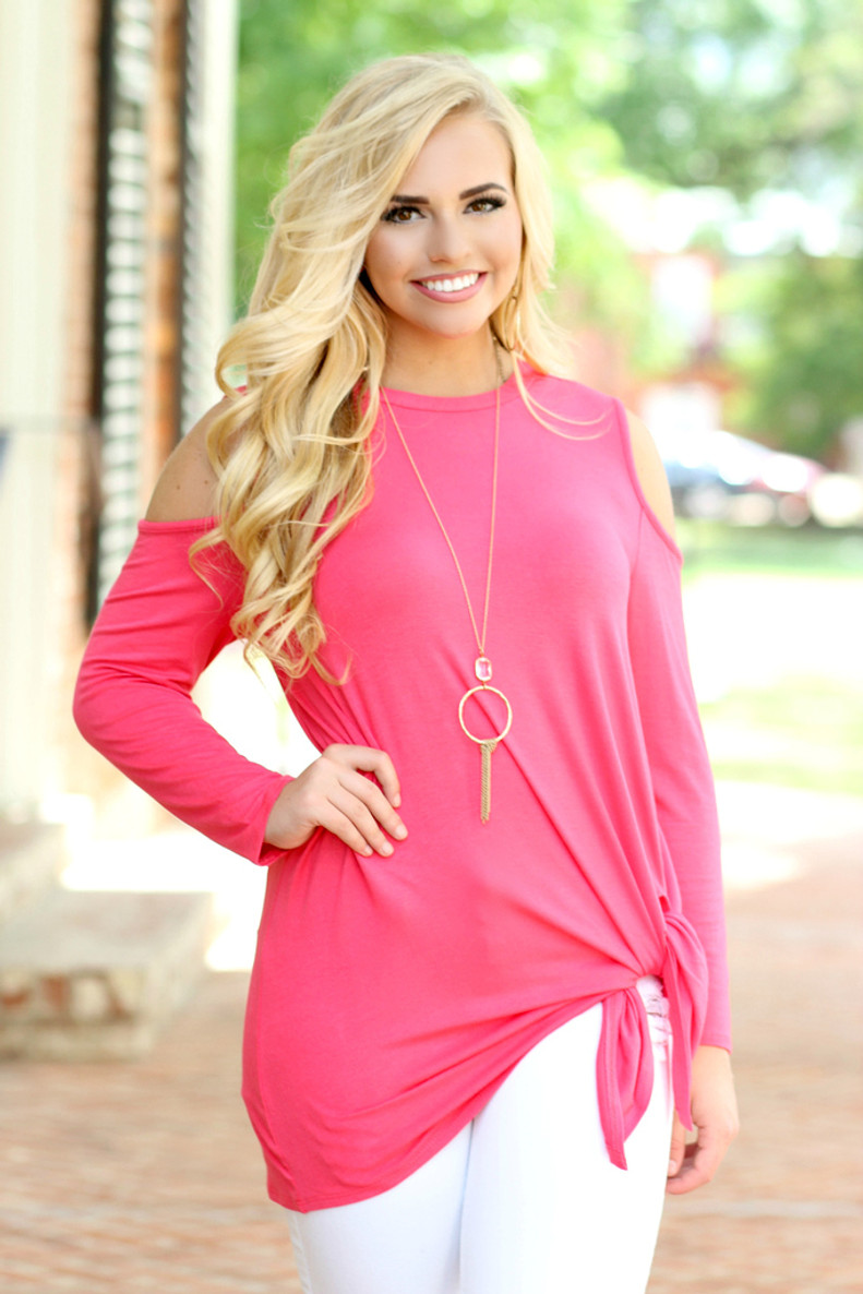 Knot Cold Shoulder: Coral