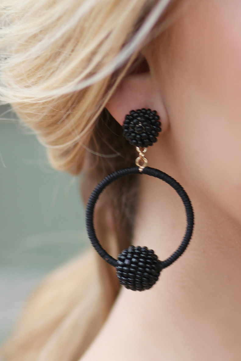 Fashion Week Earrings: Black