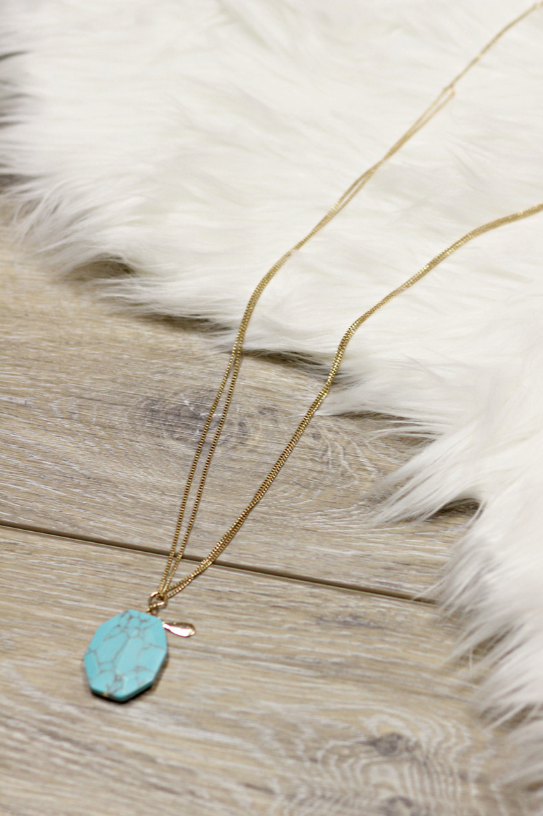 The Best Of Me Stone Necklace: Turquoise