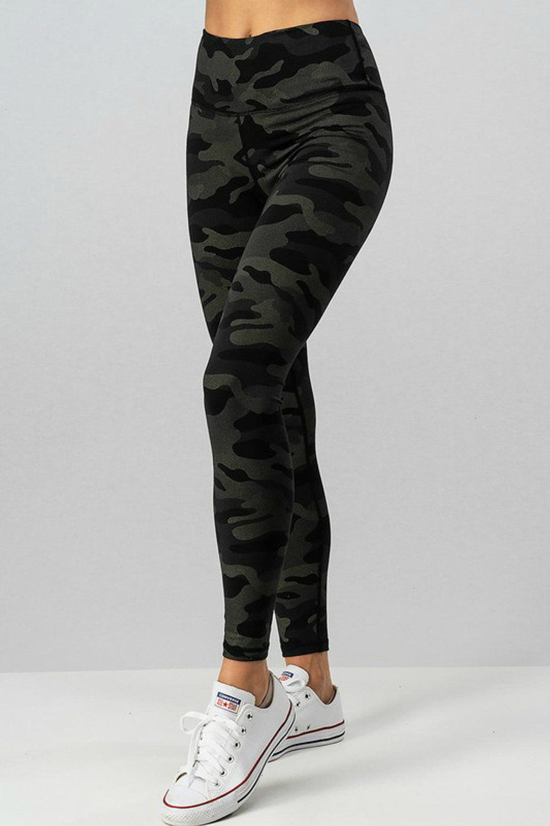 Camo Print Leggings: Black/Olive