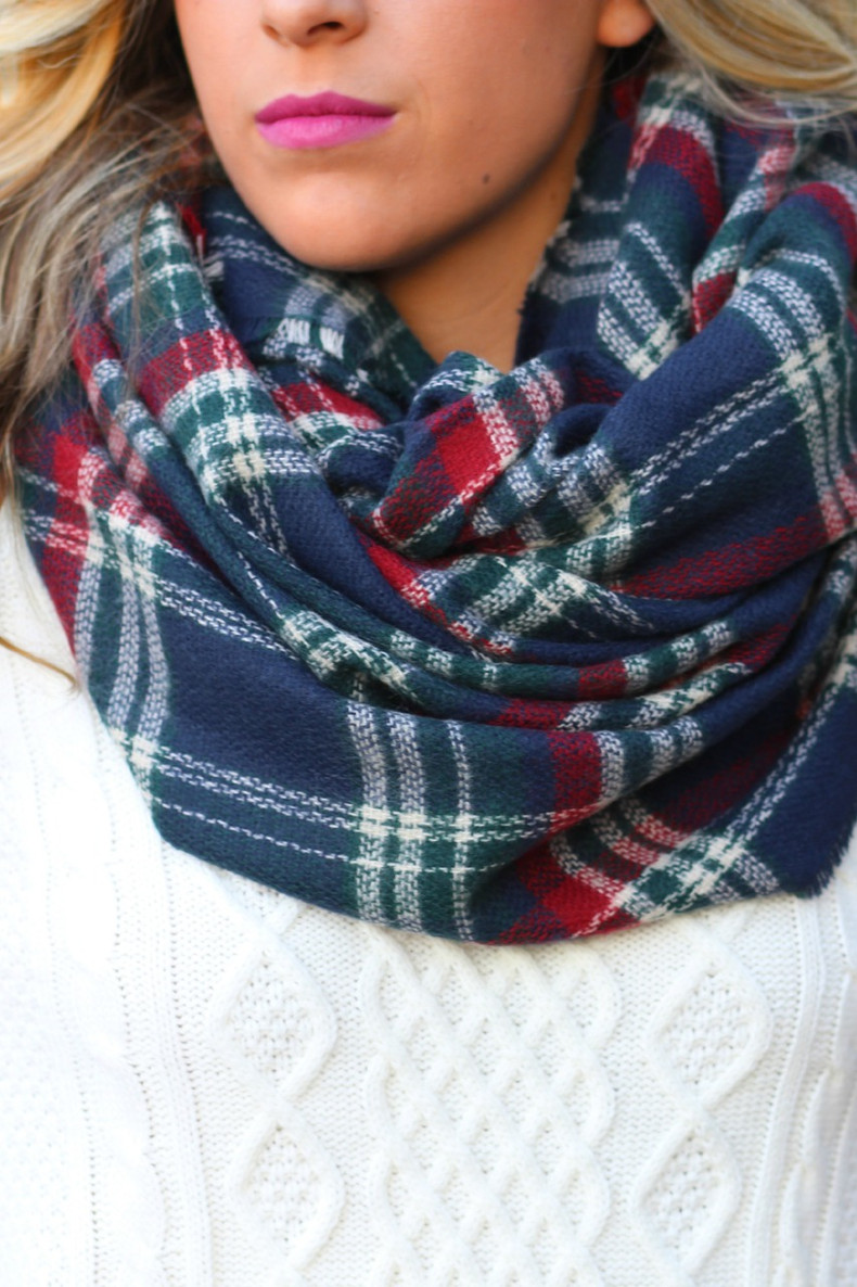 Bundle Up Scarf: Navy