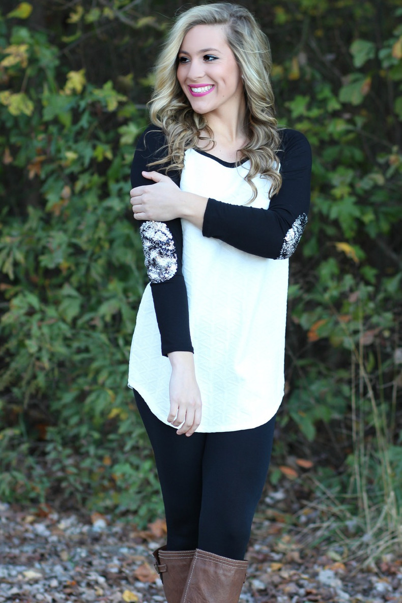 Leave It To Me Tunic: White
