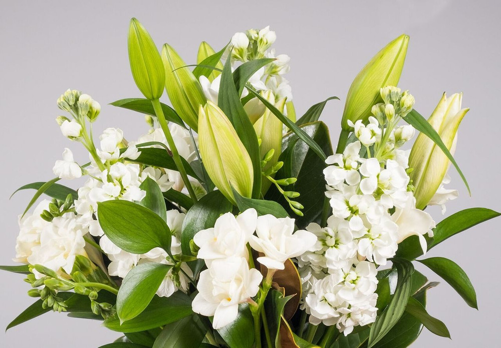 Elegant Bouquet - Thank You / Anniversary / Sympathy / Condolence