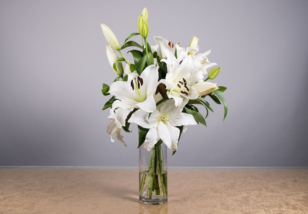 Lily Bouquet - Thank You / Anniversary / Sympathy / Condolence
