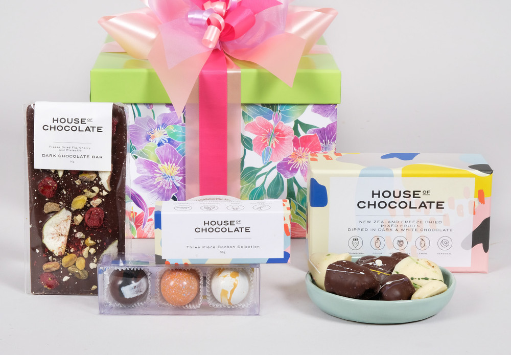 Let mMum discover why House of Chocolate is NZ's tastiest luxury brand with the Coffret Fleur Gift Basket designed for Mothers day.