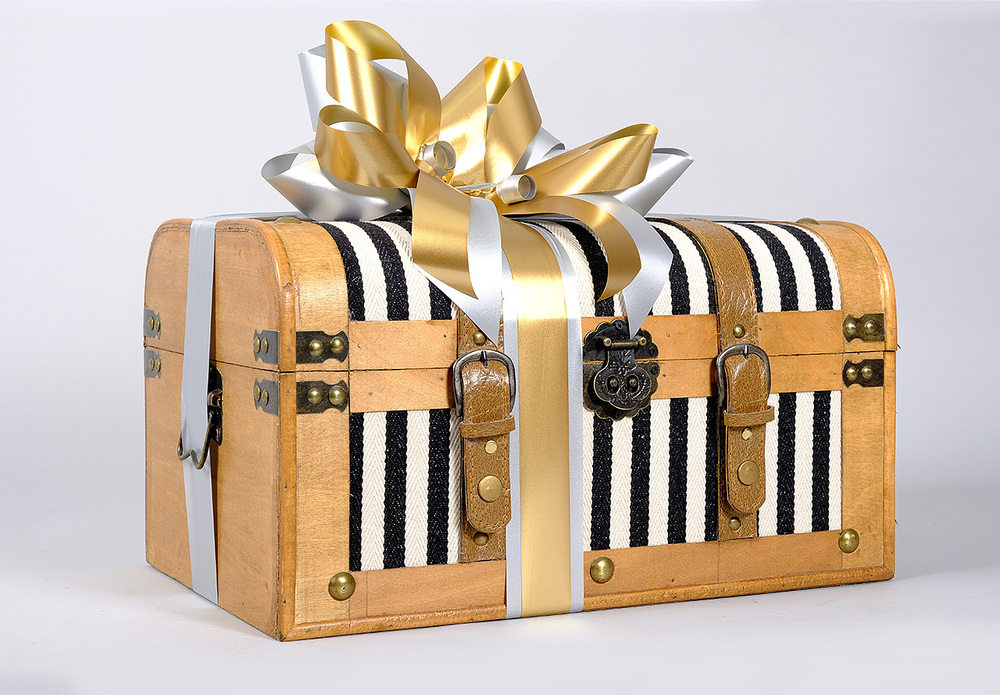 The Cotswolds Xmas Chest