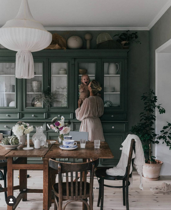 Interior of the Interior Designer and photographer Emily Slotte  that was very nice to share this picture.