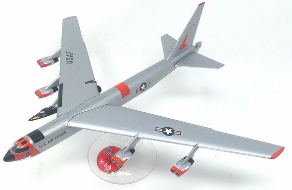 Boeing B-52 with X-15 Plastic Model Kit 1/175