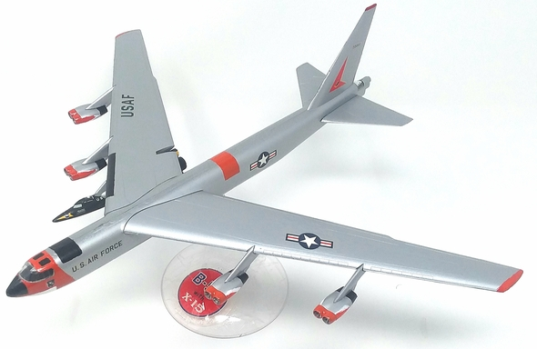Boeing B-52 with X-15 Plastic Model Kit 1/175