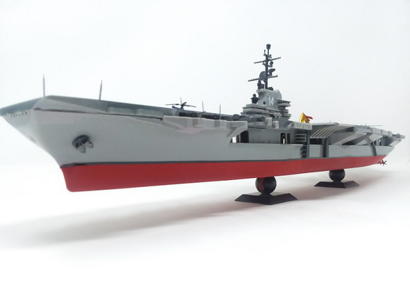 USS Ticonderoga CV-14 Aircraft Carrier Plastic model kit 1/500