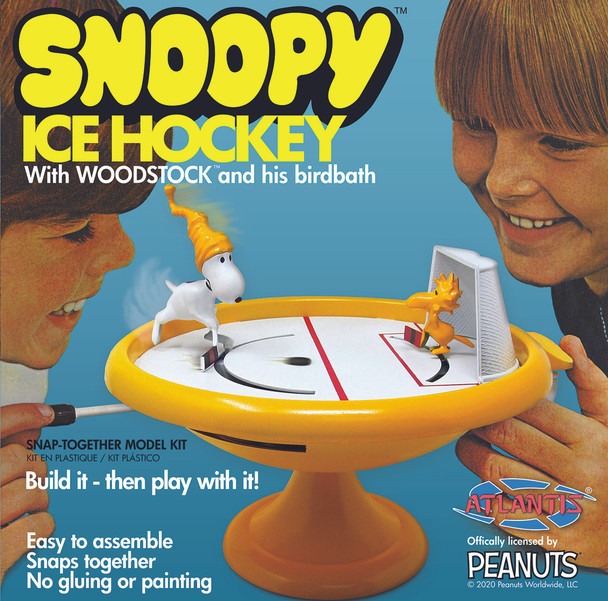PREORDER Snoopy and Woodstock Ice Hockey Game Build and Play