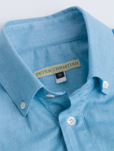 Close Up of Turquoise Short Sleeve Popover Shirt Collar
