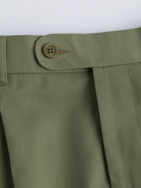 Close Up of Mens Green Cotton Tailored Shorts Details