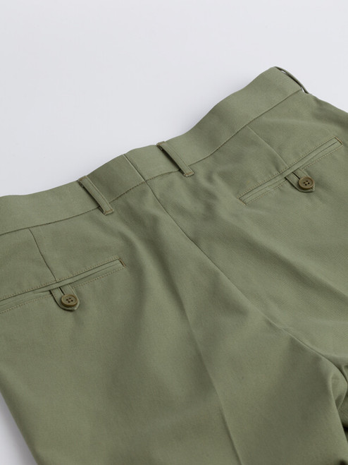Close Up of Mens Green Cotton Tailored Shorts Pockets