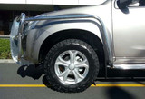 The Isuzu D-Max polished side bars and steps provide wheel arch protection and increase the strength of the bull bar. The side steps feature a durable checker plate step that allows for easier entry and exit as well as panel protection.