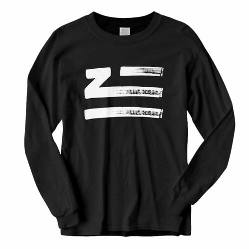 This classic fit Zhu Logo Brush Classic Long Sleeve Shirt is casually elegant and very comfortable. With fine quality print to make one stand out, it's a perfect fit for every occasion.