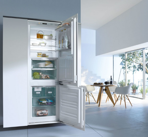 Bottom Mount Fridge Freezers