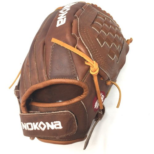Nokona Walnut W-V1250C Softball Glove Right Hand Throw