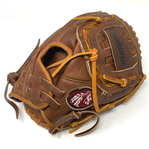 Nokona Classic Walnut AMG100-CW Baseball Glove 11 inch Right Hand Throw