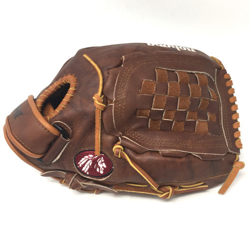 Nokona Walnut 13 inch Softball Glove W-V1300C Right Hand Throw