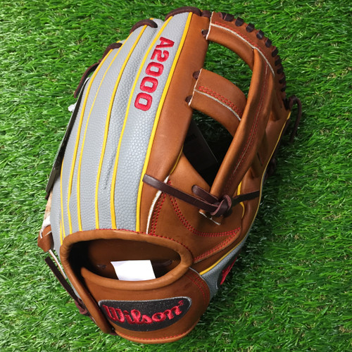 Wilson A2000 Baseball Glove DP15GM 11.75 USED Right Hand Throw