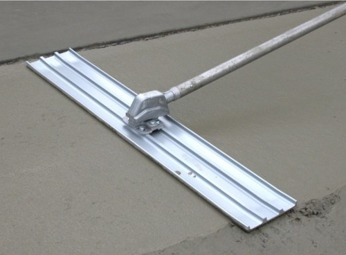 Magnesium bull float blades for concrete, tools and accessories.