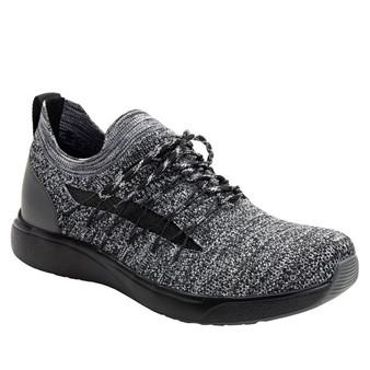 TRAQ Synq Black Sneaker