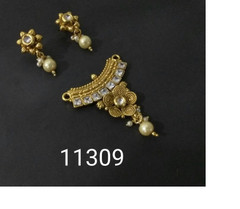 Amazing Gold Plated Kundan Work Mangal Sutra Set1186